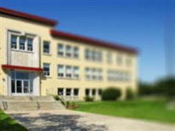 Budynek warsztatów Zespołu Szkół w Poniatowej
